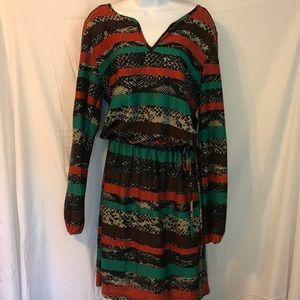Dress with long sleeves and tied waist NEW